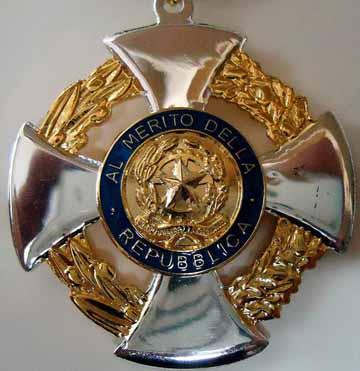 Medaglia cavaliere ordine al merito della repubblica for Lavorare al senato della repubblica